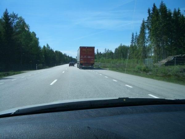 autofahren in schweden darauf solltest du im schwedischen stra enverkehr achten tempolimits. Black Bedroom Furniture Sets. Home Design Ideas