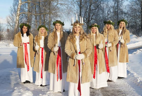 skandinavische Frauen und schwarze Männer
