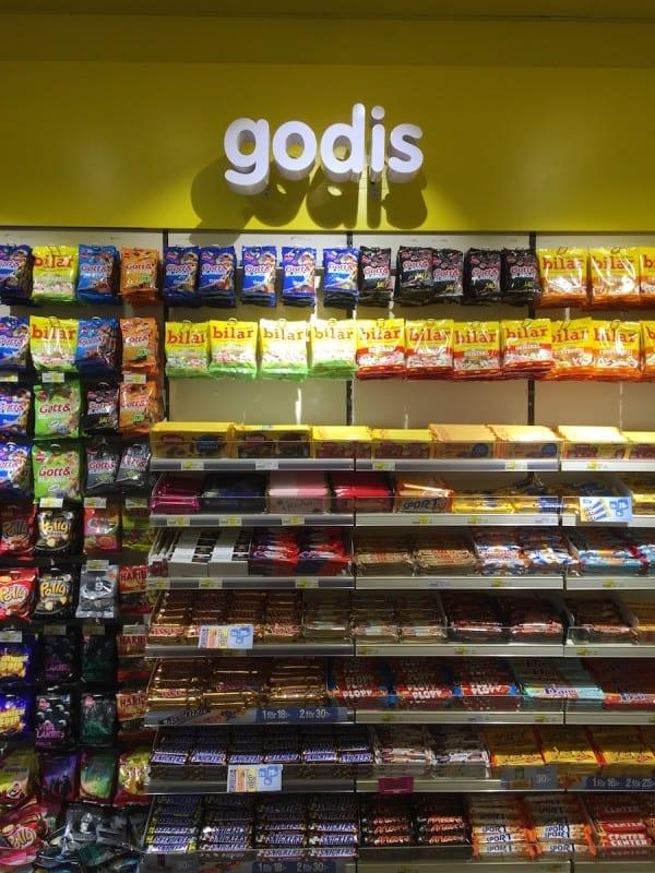 Süßigkeitenregal in Schweden