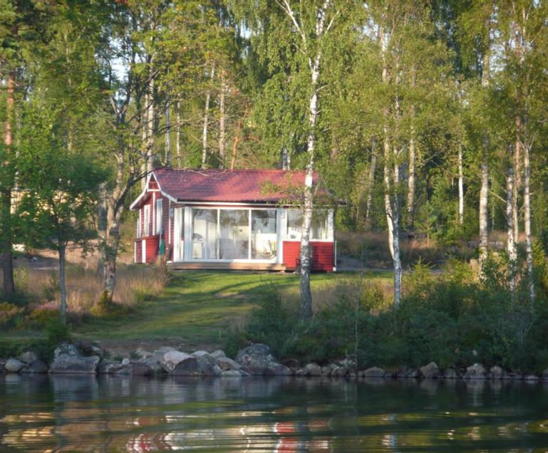 top 10 ferienh user am see in sm land schweden hej sweden. Black Bedroom Furniture Sets. Home Design Ideas